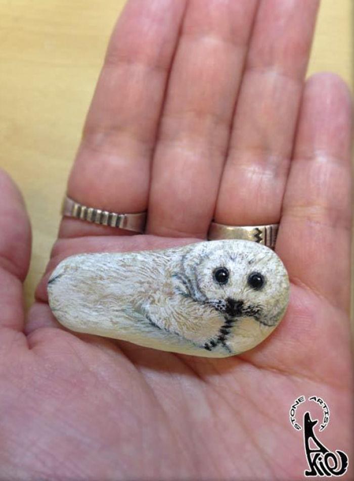 dipinge-animali-su-pietre-akie-nakata-30