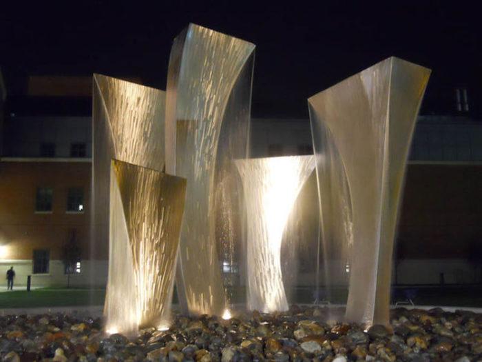 fontane-moderne-mondo-arte-design-scultura-12