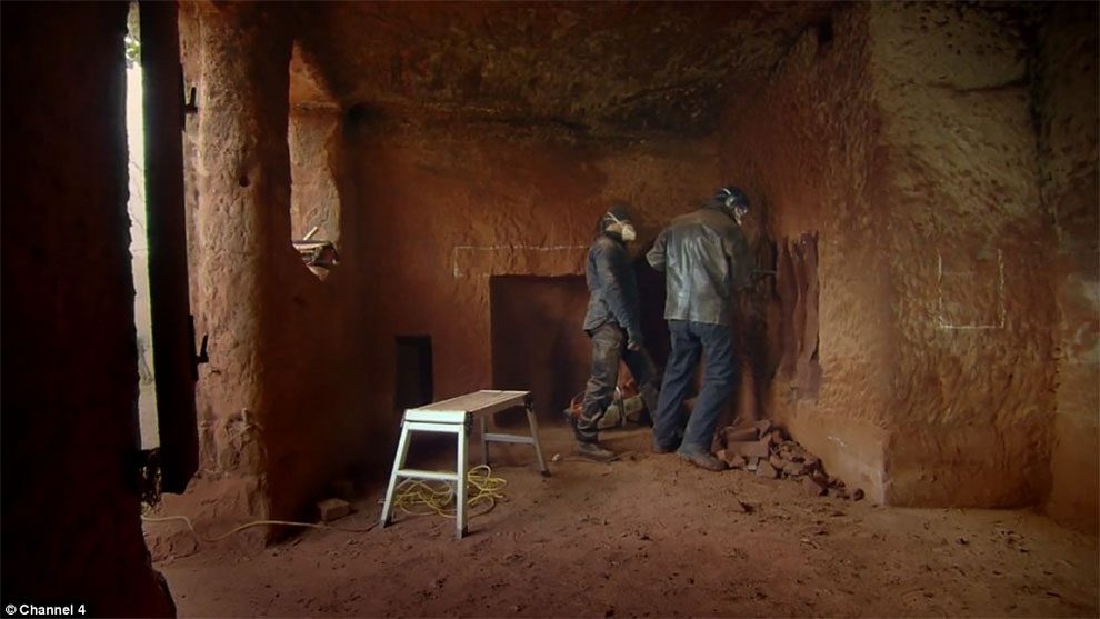 caverna-trasformata-casa-angelo-mastropietro-wyreforest-03