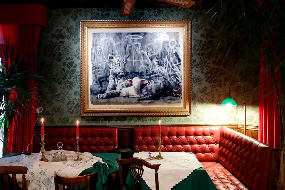 hotel-peggiore-vista-mondo-the-walled-off-hotel-betlemme-banksy-17