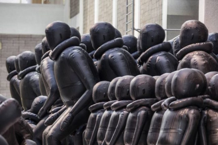 installazione-crisi-rifugiati-law-of-the-jorney-ai-weiwei-04