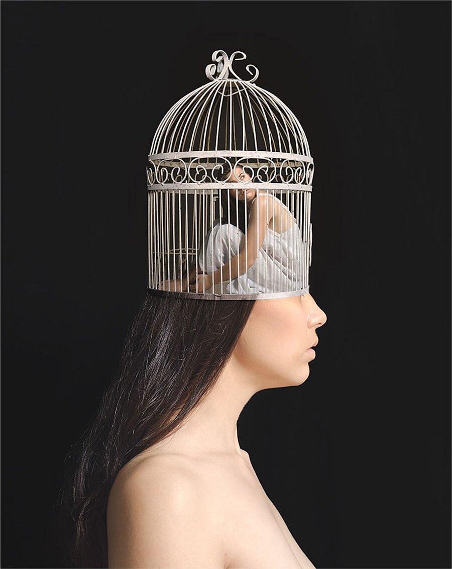 ansia-depressione-foto-surreali-autoritratti-katie-crawford-03-keb