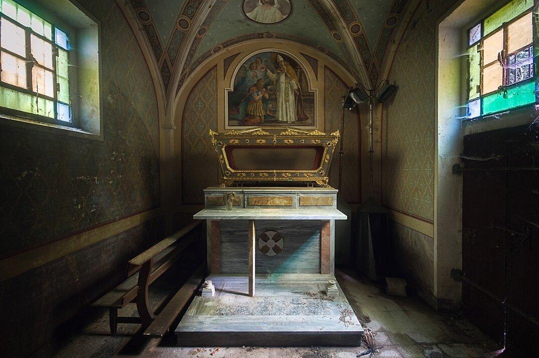 chiese-abbandonate-roman-robroek-15