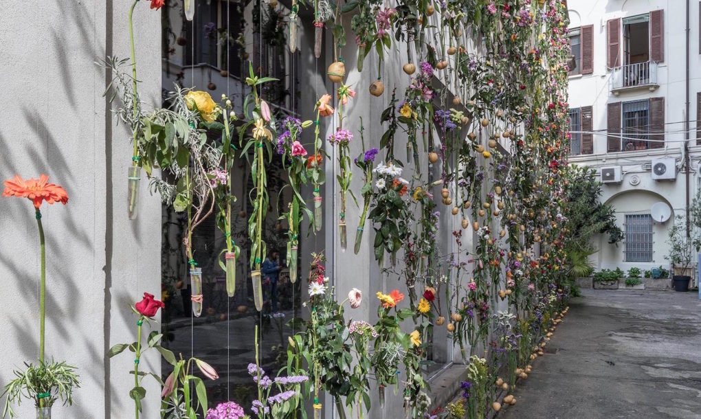 fiori-facciata-palazzo-milano-flowerprint-piuarch-brera-01