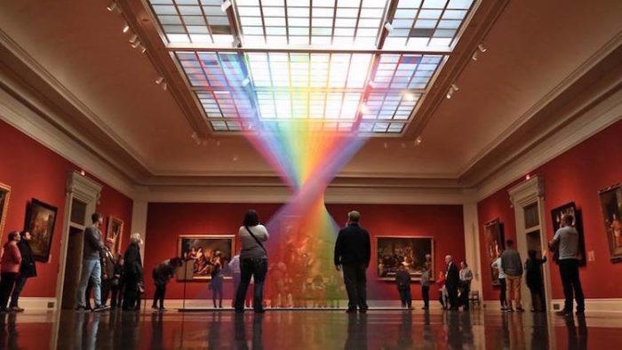 installazioni-arte-policromatismo-arcobaleno-01