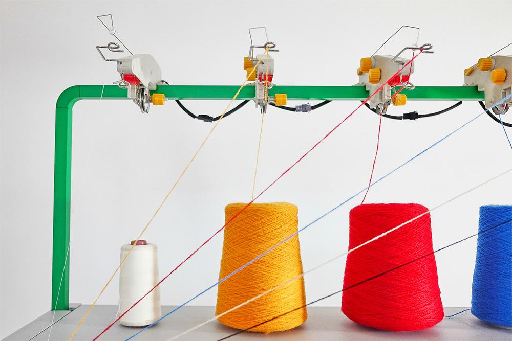 macchina-digitale-crea-abiti-kniterate-gerard-rubio-5
