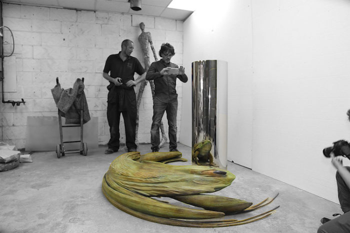 sculture-arte-anamorfica-jonty-hurwitz-5