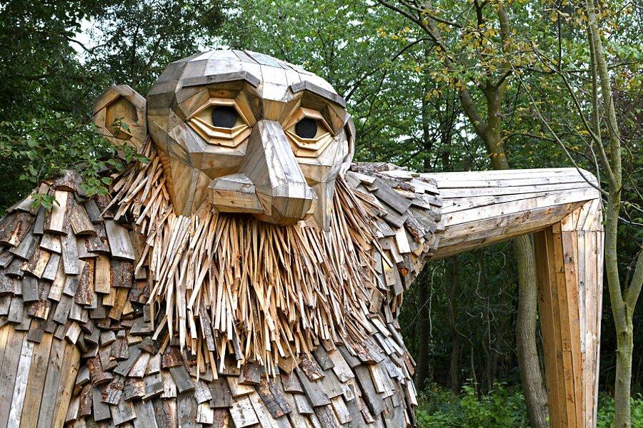 sculture-legno-riciclato-giganti-thomas-dambo-copenaghen-11
