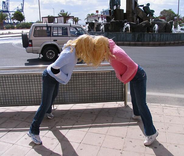 sculture-street-art-installazioni-mark-jenkins-05