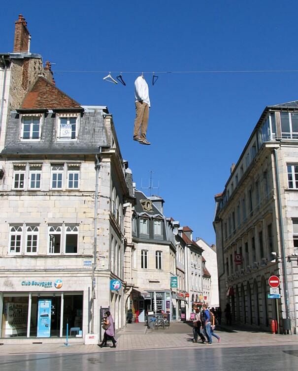 sculture-street-art-installazioni-mark-jenkins-20