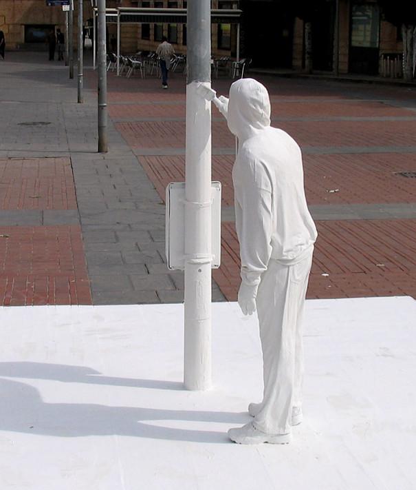 sculture-street-art-installazioni-mark-jenkins-29