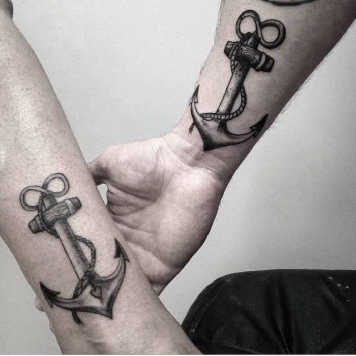 Tatuaggi di coppia braccio, ancore