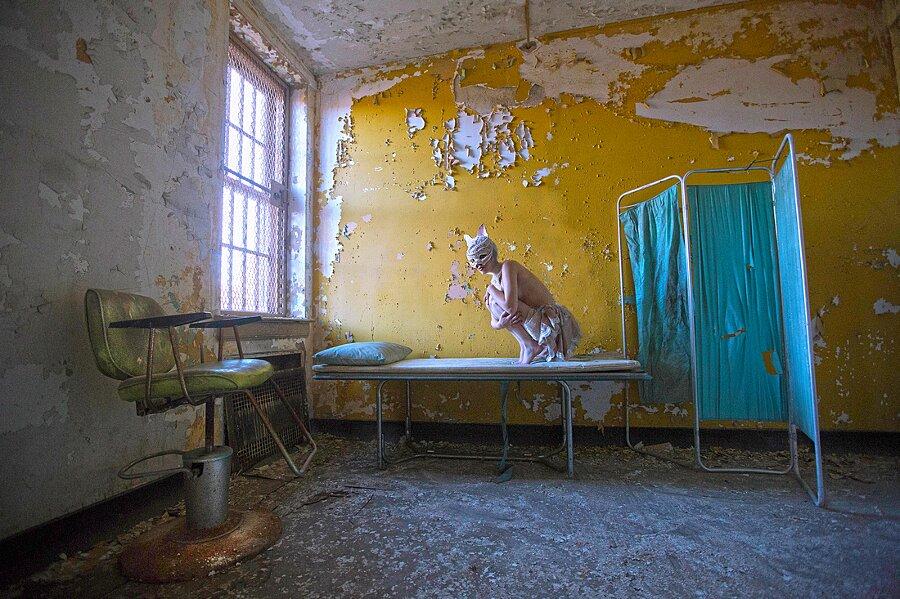 fotografia-surreale-luoghi-abbandonati-07