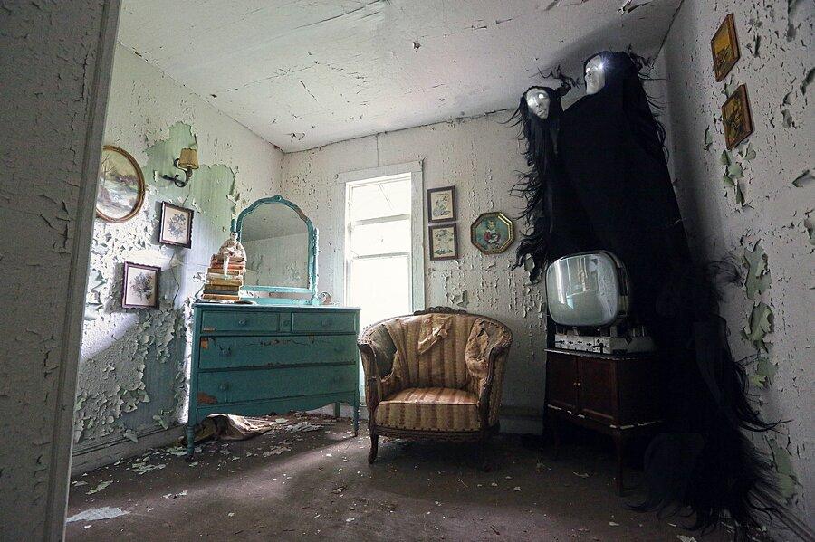fotografia-surreale-luoghi-abbandonati-12