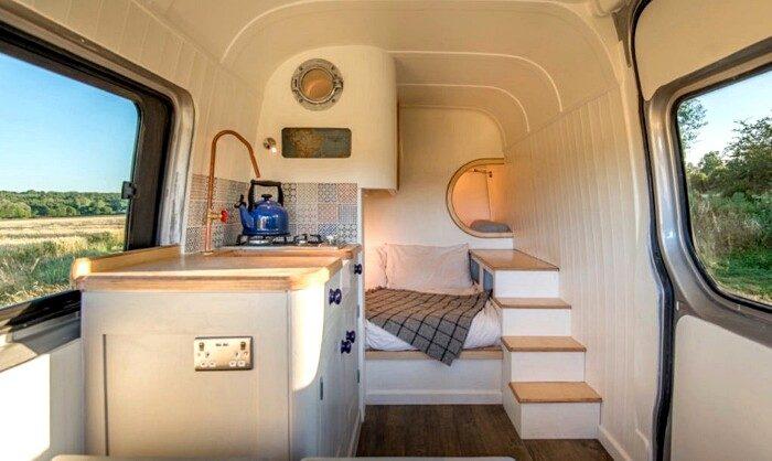 https://www.keblog.it/wp-content/uploads/2017/05/furgoni-diventano-camper-idee-06-700x418.jpg