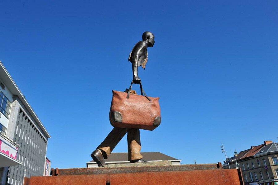 sculture-bronzo-voyageurs-bruno-catalano-10