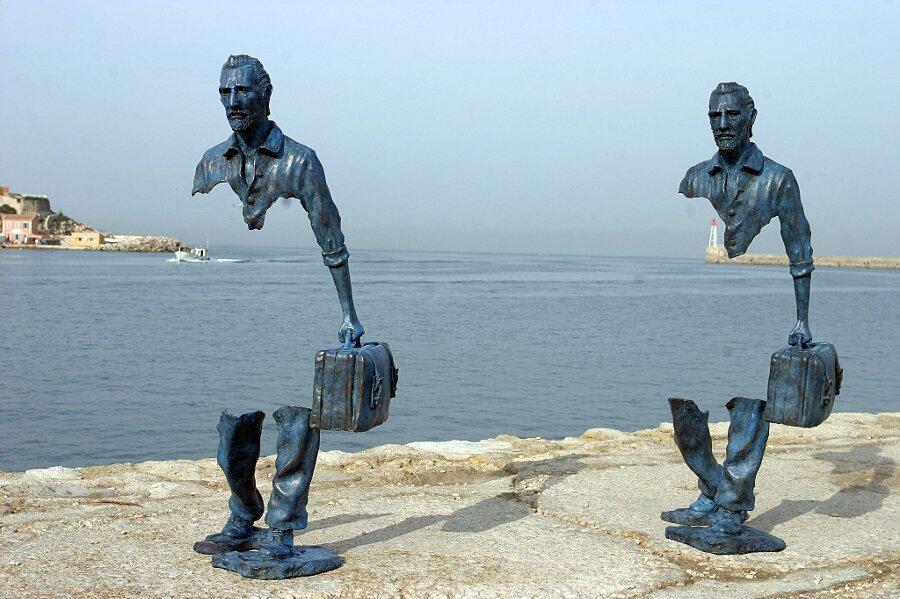 sculture-bronzo-voyageurs-bruno-catalano-14