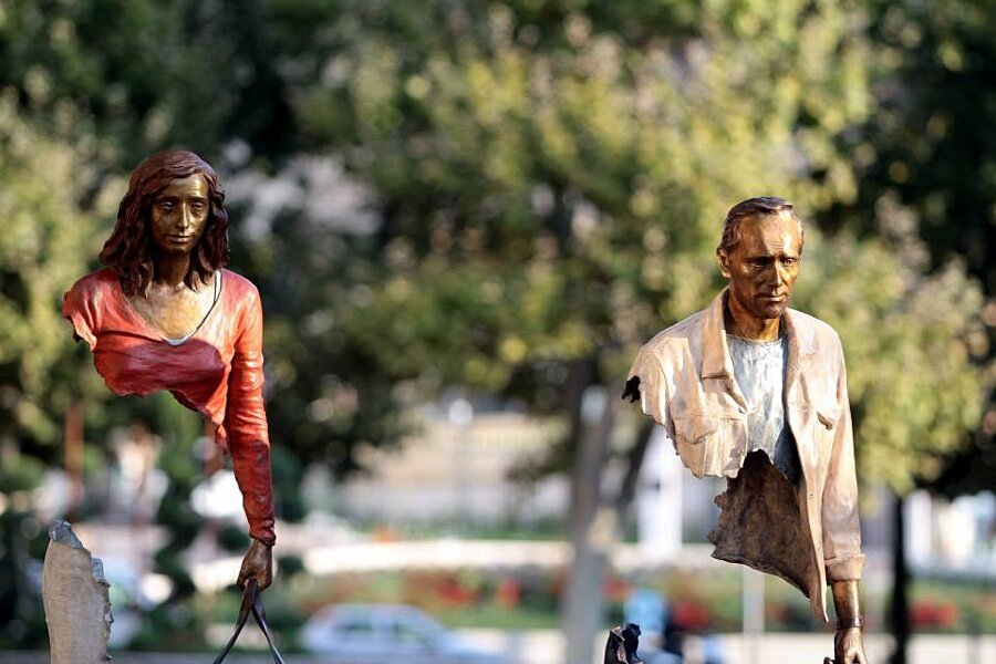 sculture-bronzo-voyageurs-bruno-catalano-9
