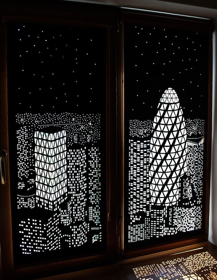 Queste tende oscuranti trasformano le tue finestre in - Tende attaccate alle finestre ...