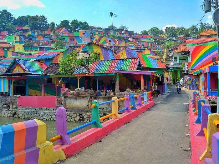 villaggio-arcobaleno-kampung-pelangi-indonesia-01