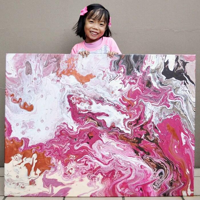 bambina-dipinge-quadri-incredibili-cassie-swirls-04
