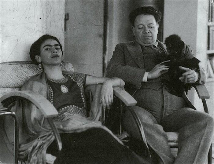 Foto Frida Kahlo con Diego Rivera e Scimmia