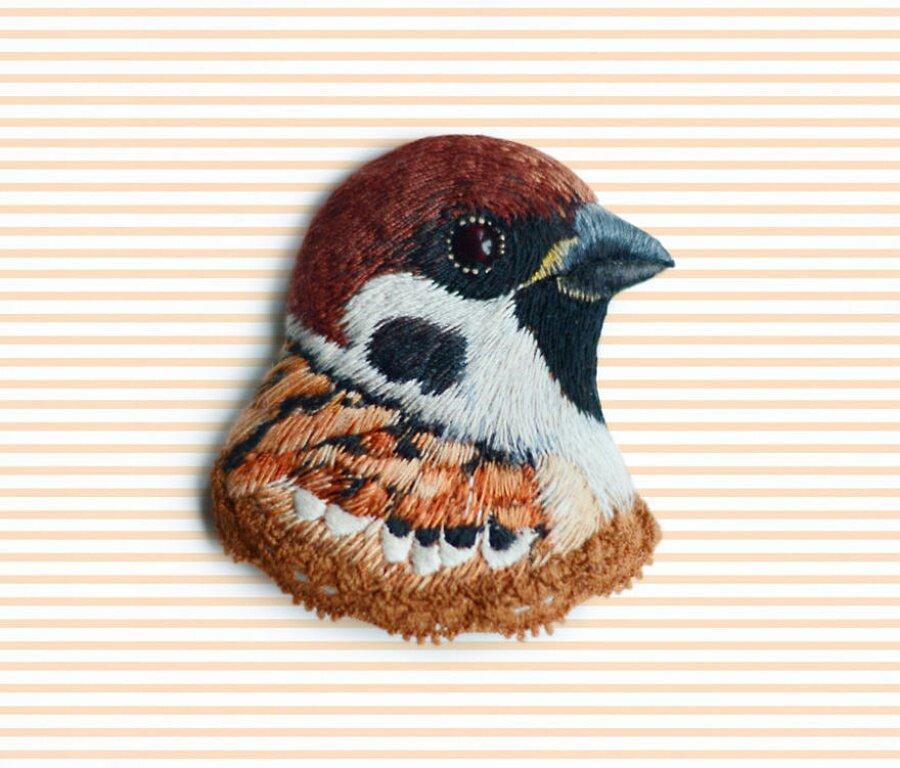 uccelli-ricamati-spille-paulina-bartnik-05