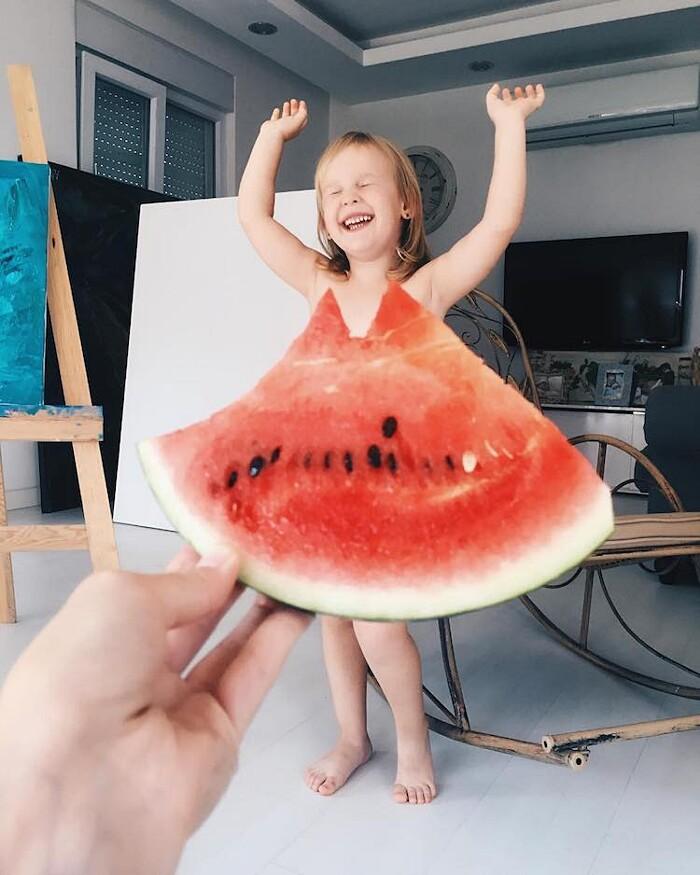 Foto Mamma e Figlia Divertenti Abiti Fiori Frutta Alya Chaglar