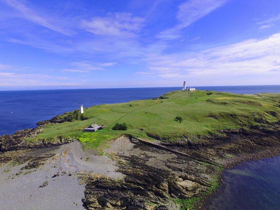 In vendita una bellissima isola scozzese con cottage annesso, a soli 360 mila euro, Little Ross island in Scozia