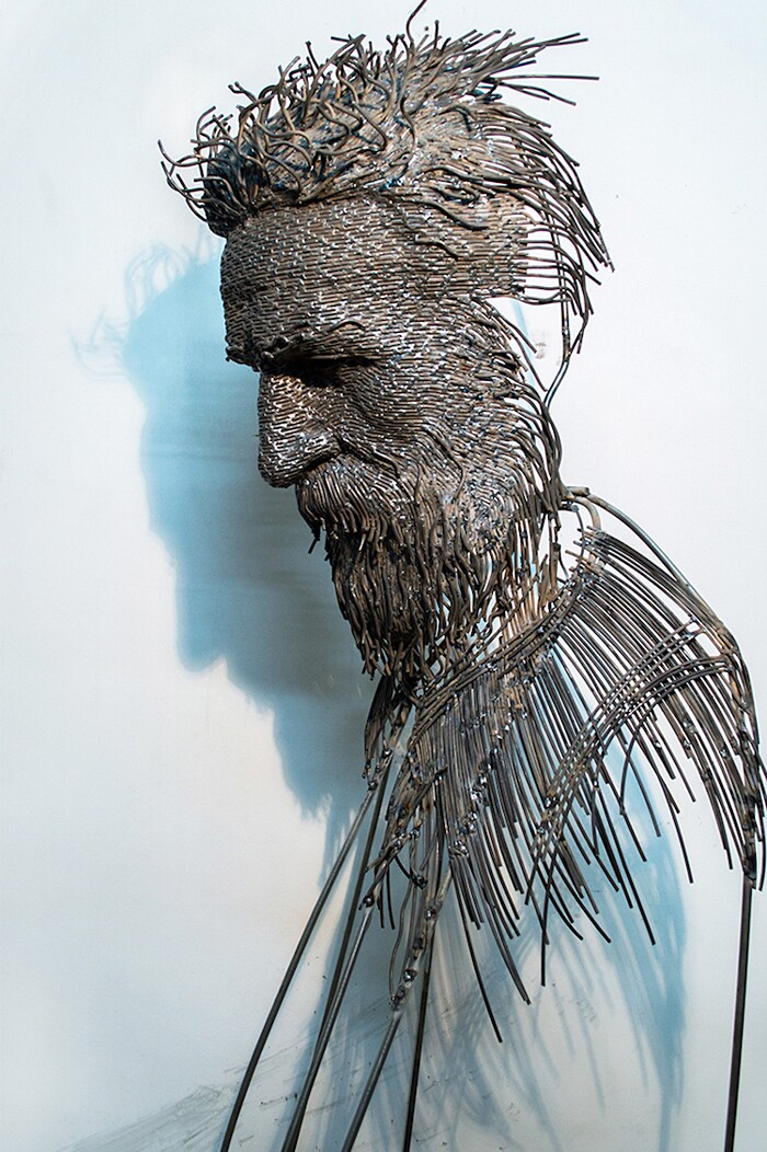 Sculture Volti Filo Metallico Darius Hulea