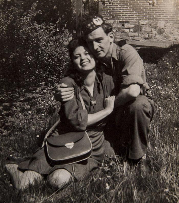 Foto Soldato e Sopravvissuta Olocausto Sposati da 70 Anni
