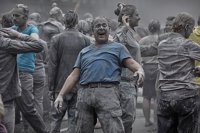 Zombie Marciano per Protesta Amburgo G20 1000 Gestalten