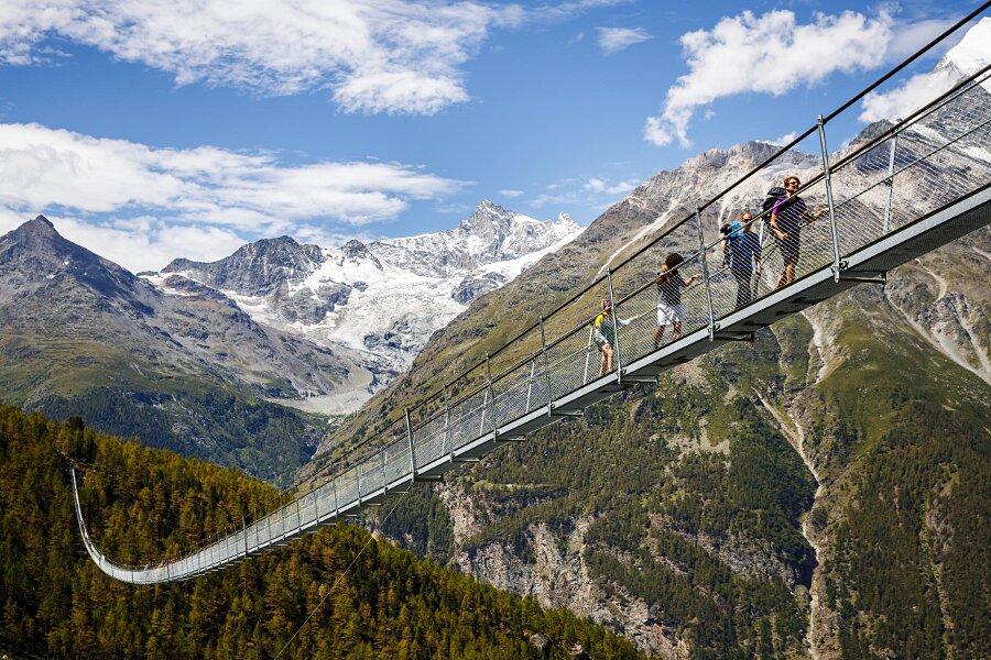 Ponte Pedonale Sospeso Più Lungo al Mondo in Svizzera