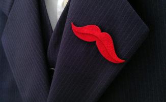 Spille da giacca, bracciali in pietre dure, gemelli per completare con originale eleganza l'outfit maschile