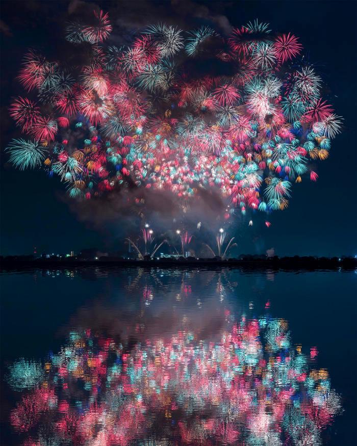 Bellissime fotografie dei festival di fuochi d'artificio in Giappone