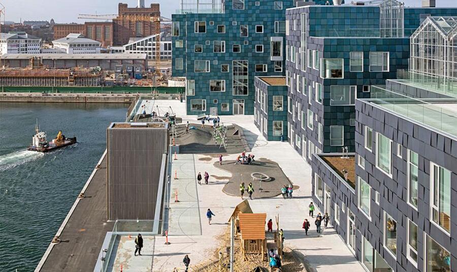 Scuola Di Copenaghen Ricoperta da 12000 Pannelli Solari