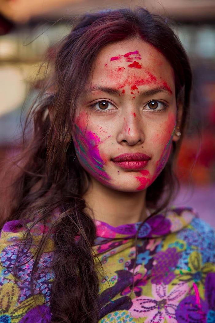 Fotografa cattura l'unicità e la bellezza di 500 donne del mondo