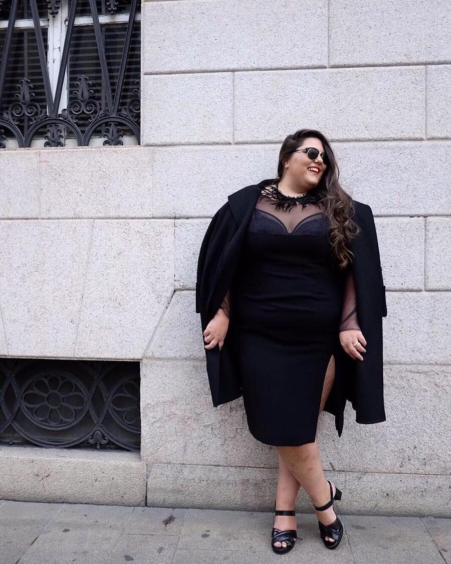 Modelle Curvy Foto Ritocco Photoshop
