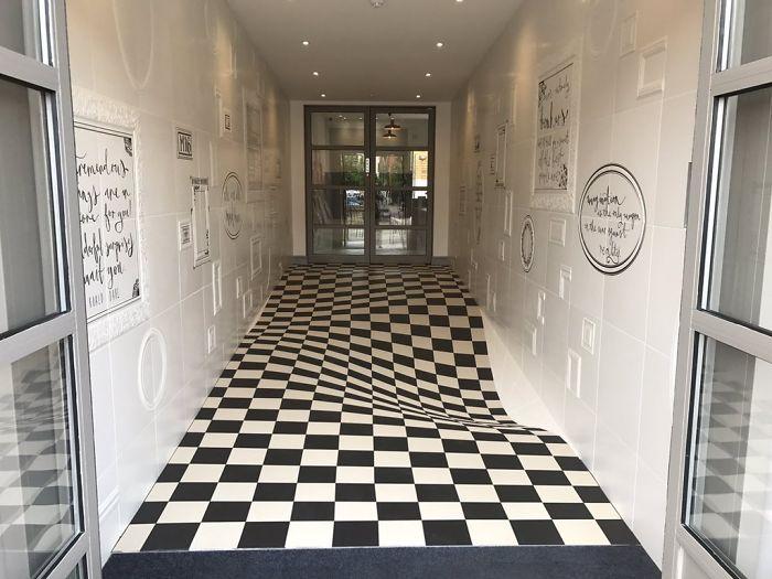 Pavimento Con Illusione Ottica