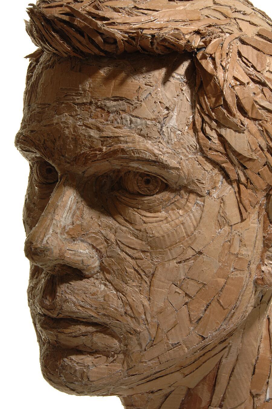 Sculture In Cartone Riciclato James Lake