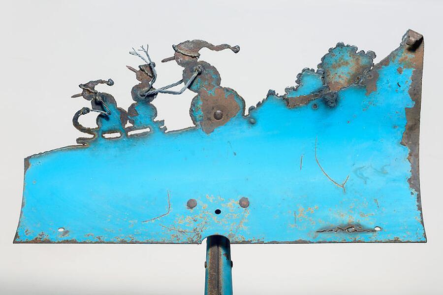 Scene Invernali Intagliate Su Vecchie Pale Da Giardino Cindy Chinn