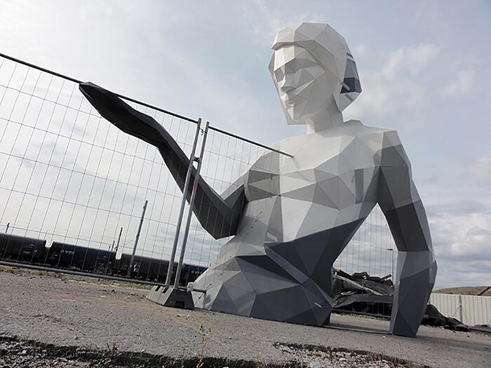 Scultura Gigante Donna David Mesguich