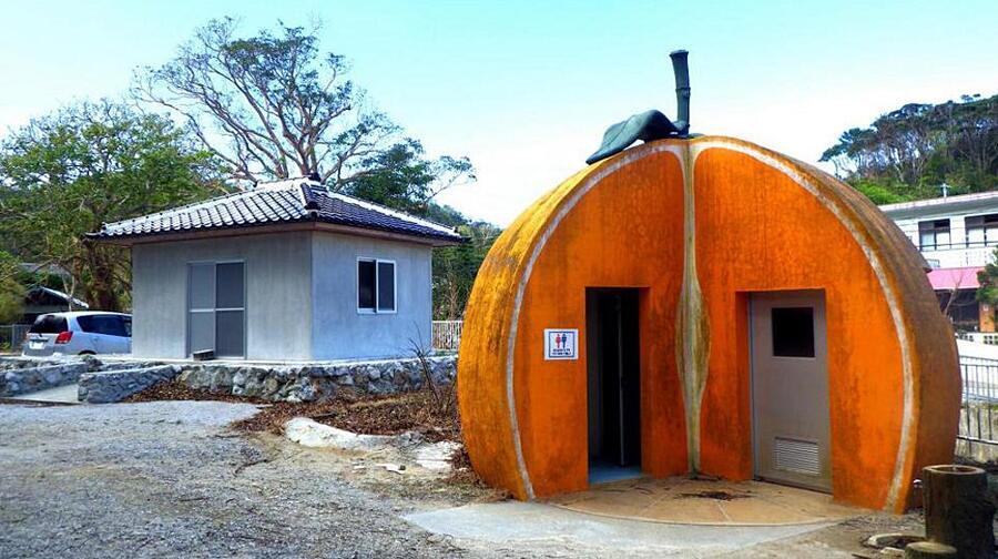 Bagni pubblici in Giappone con strane forme, Okinawa Soba
