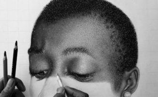 Un'artista nigeriana incanta Twitter con disegni iperrealistici a carboncino