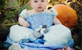 Mamma crea costumi da principessa per la sua bimba per combattere la depressione post partum
