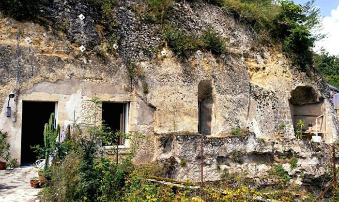 Case Scavate Dentro Grotte