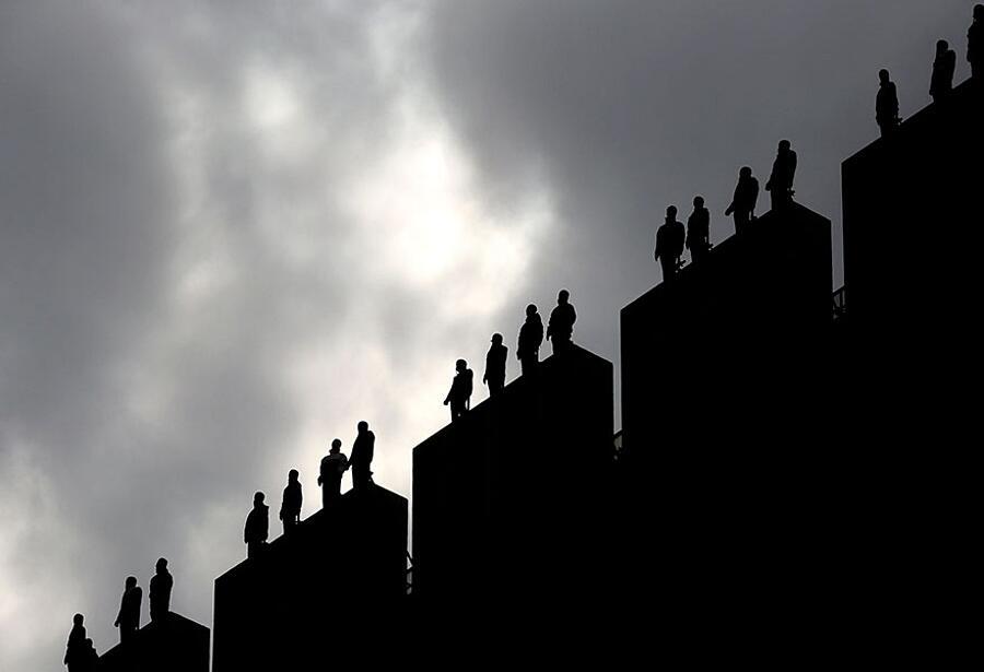 Installazione d'arte contro il suicidio, ITV Londra, Mark Jenkins