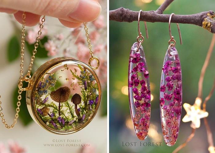 Fiori selvatici e piccole piante irlandesi racchiusi dentro gioielli in resina