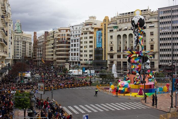 Scultura Okuda San Miguel Fallas Festival di Valencia Foto Martha Cooper