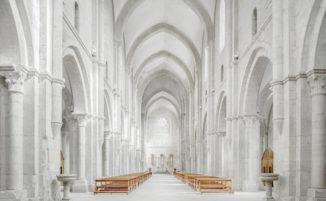 Fotografo viaggia per l'Italia e cattura la grandiosità delle abbazie del 13° secolo